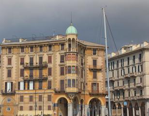 Savona palazzo antico con porticato