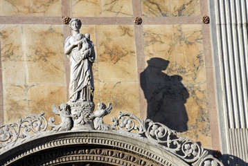 Statue and shadow