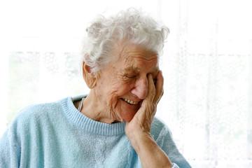 Eine Rentnerin im Porträt