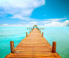 Vacances et le concept du tourisme. Jetée sur Isla Mujeres, Mexique