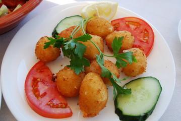 Griechische Küche - Käse Bällchen