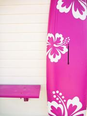 pinkes Surfbrett