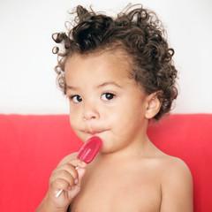 Kind mit Lollipop