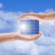 Sonnenkolektor in der Hand