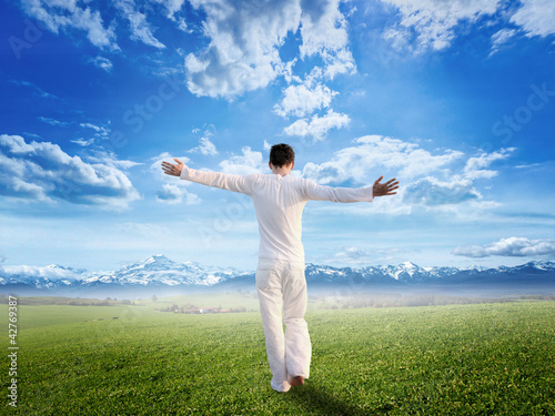 Enjoying pure freedom | Man on a meadow