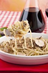Spaghetti with black truffles