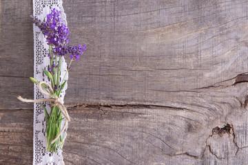Sommerlicher Hintergrund mit Lavendel