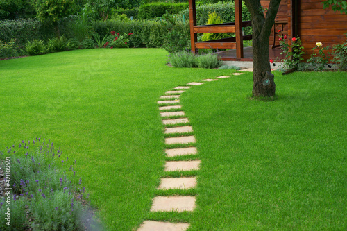 Papiers peints Jardin Beautiful lawn and path