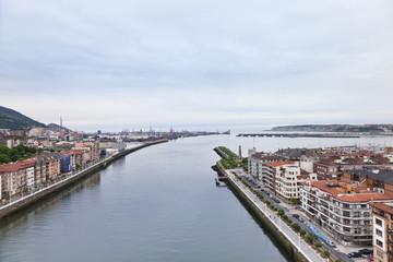 Rio Nervión en su desembocadura