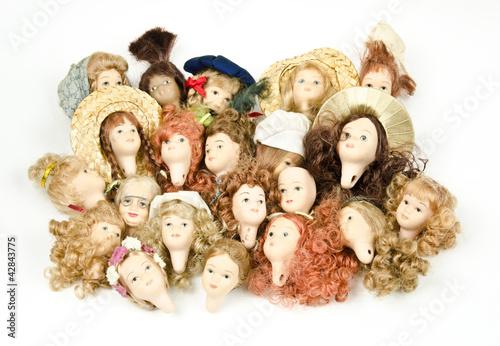 grosse Sammlung nostalgischer Puppenköpfe