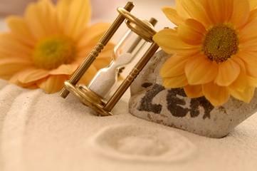 Sandbild Zen mit Sanduhr