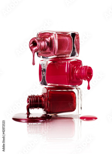 Dripping nail polish