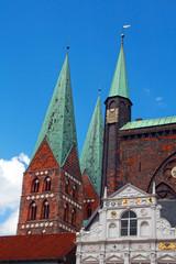 Marienkirche und Rathaus in Lübeck
