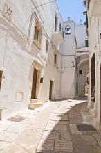 Uliczka. Ostuni. Puglia. włochy.