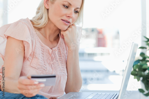 Blonde shopping online