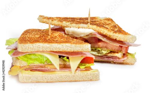 Dos mitades de sandwich.