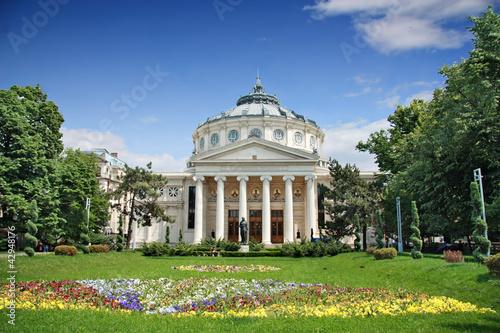 Leinwanddruck Bild Romanian Athenaeum is a concert hall in the center of Bucharest,
