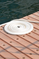 Circle ropes on berth