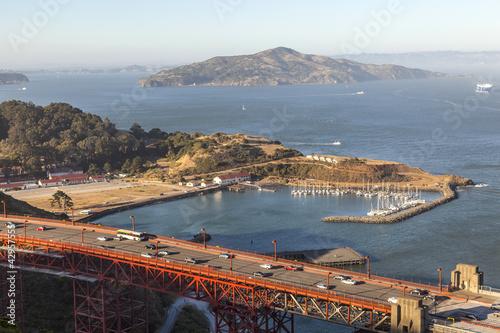 Foto op Canvas famous San Francisco Golden Gate bridge in late afternoon light