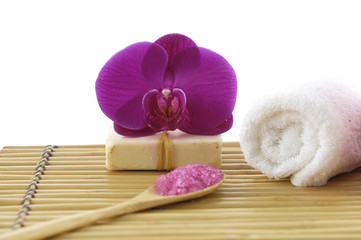 Image of spa treatment on a bamboo mat.