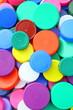 bouchons plastiques multicolores