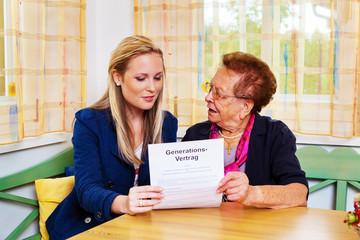 Enkel und Großmutter. Generationsvertrag