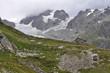 montañas alpes refugio