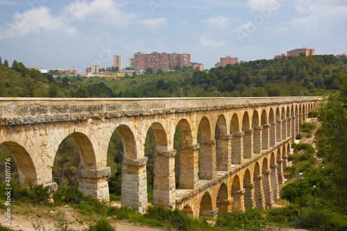 Piękny widok rzymski Akwedukt Pont Del Diable w Tarragona