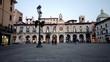 Piazza italiana Loggia stile veneziano