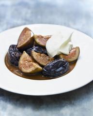 Figues et pruneaux au marsala en sauce chocolat