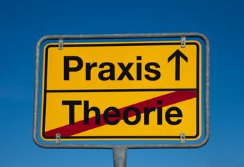 Wechselschild THEORIE - PRAXIS