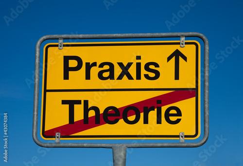 Wechselschild THEORIE - PRAXIS Poster