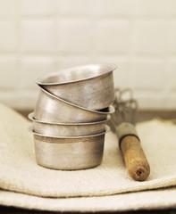 Moules et fouet pour pâtisserie