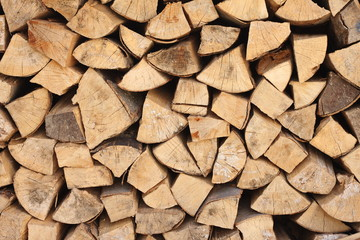 neues Brennholz