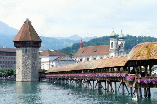 Fototapeten,luzern,brücke,holzbrücke,wasserturm