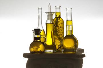 올리브기름 Olio d'oliva 橄欖油 Huile d'olive Olivenöl