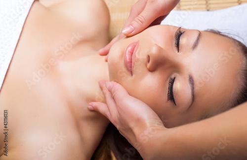 Fototapeten,frau,gesichtsbehandlung,massage,kurort