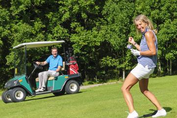 Golferin freut sich