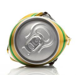 lattina di alluminio riciclabile