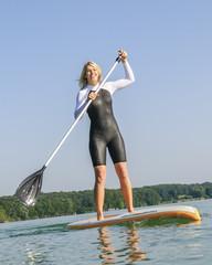 attraktive Wassersportlerin