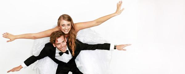 glückliches frisch verheiratetes Paar