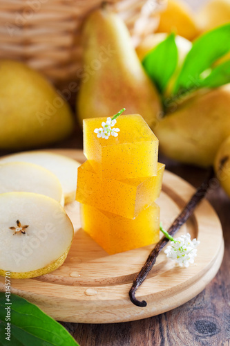 Pear vanilla marmalade