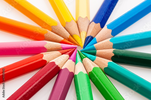 Viele bunte Farbstifte