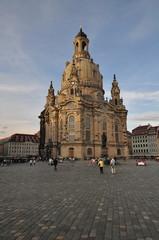 Frauenkirche Dresden im Sonnenuntergang