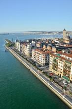 Vista desde el puente de Bizkaia, País Vasco (España)