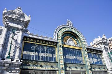 Fachada de la estación de tren de Abando, Bilbao