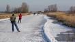 Leinwanddruck Bild - Ice Skating in Holland