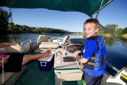 Driving the Boat - 43204564