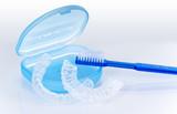 Fototapety Beißschiene mit Zahnbürste