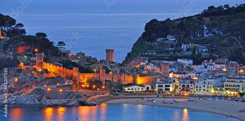 canvas print picture der bekannte Bade-und Touristenort Tossa de Mar